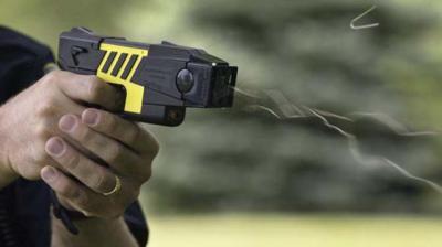 EN UN PUEBLO DE TOLEDO   La Policía Local incorpora pistolas táser