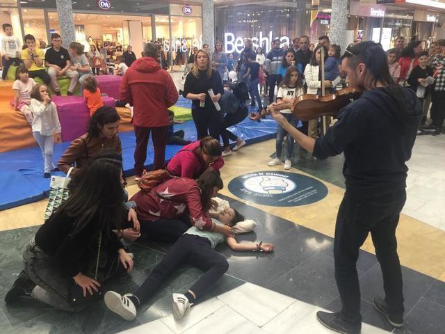 'Flashmob' en Talavera para concienciar, visibilizar y promover una imagen real de las personas con TEA