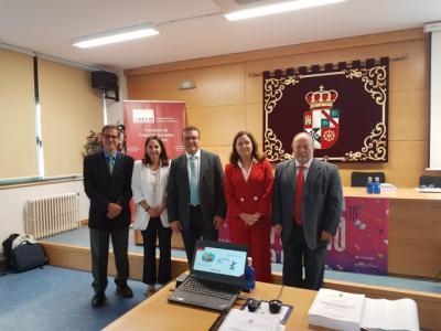 TALAVERA | El Tesorero del Ayuntamiento defiende su tesis doctoral y obtiene la máxima puntuación