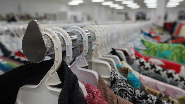 SUCESOS | Detenidas dos mujeres por robar casi 1.000 euros en ropa