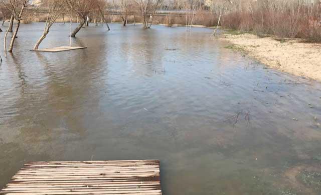 La 'playa de Talavera' vuelve a inundarse por segunda vez en 9 meses