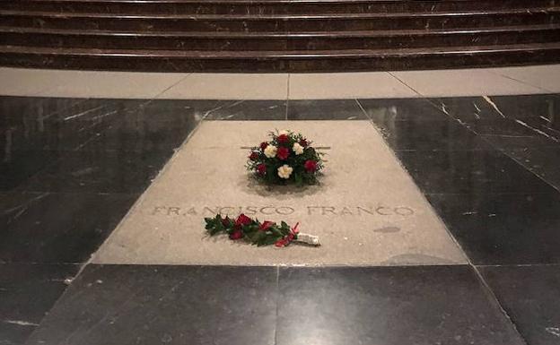 Tumba de Francisco Franco en el Valle de los Caídos. / Alberto Ferreras / Las Provincias