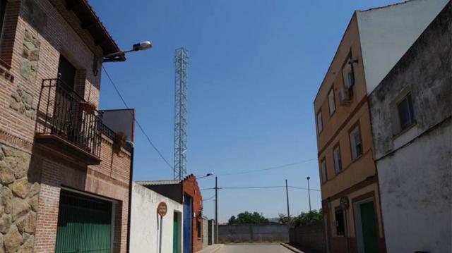 Nueva ubicación para la antena telefónica del barrio El Paredón de Talavera