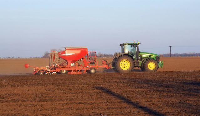 Unión de Uniones pide una ampliación del RENOVE agrario