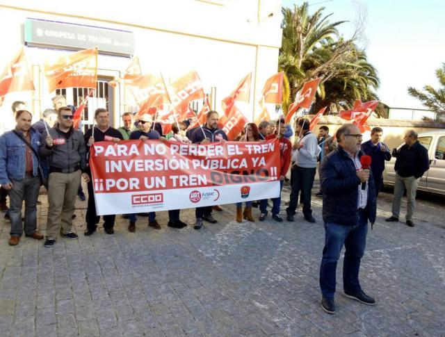"""Las concentraciones """"Por un tren digno"""" llegan a Oropesa"""