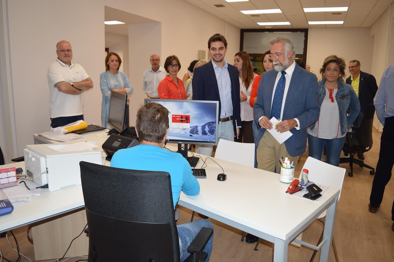 Inaugurada la nueva oficina de atenci n al ciudadano de for Oficina de atencion al ciudadano
