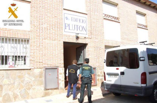La Guardia Civil detiene a dos 'okupas' en Pepino por robar los muebles de un vecino