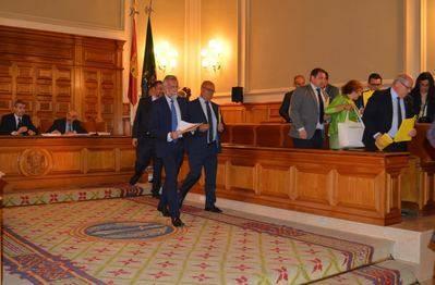 El PP abandona el pleno de la Diputación de Toledo tras