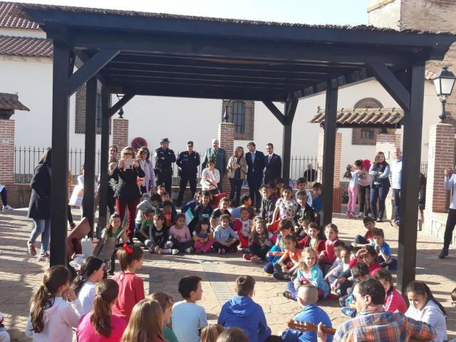 El subdelegado del Gobierno en Toledo visita Cazalegas y varias empresas instaladas en la localidad