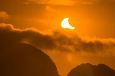 Hoy puedes ver el eclipse solar: te contamos cuándo