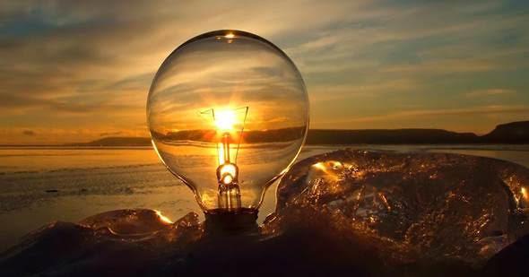 Te contamos cómo ahorrar en la factura de la luz este verano