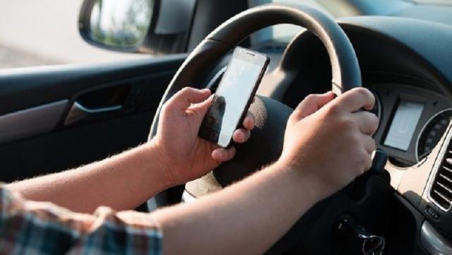 La Policía Local de Talavera denuncia a 7 conductores por utilizar el teléfono mientras conducían