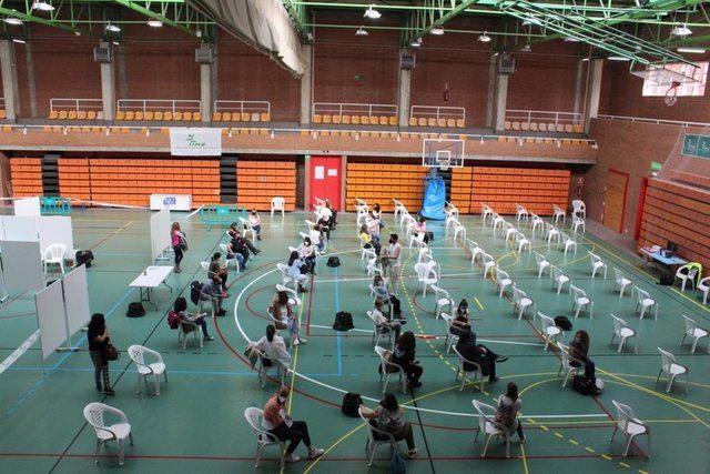 CLM | Cerca de 15.000 profesionales del ámbito docente han recibido ya la primera dosis de la vacuna contra el Covid-19