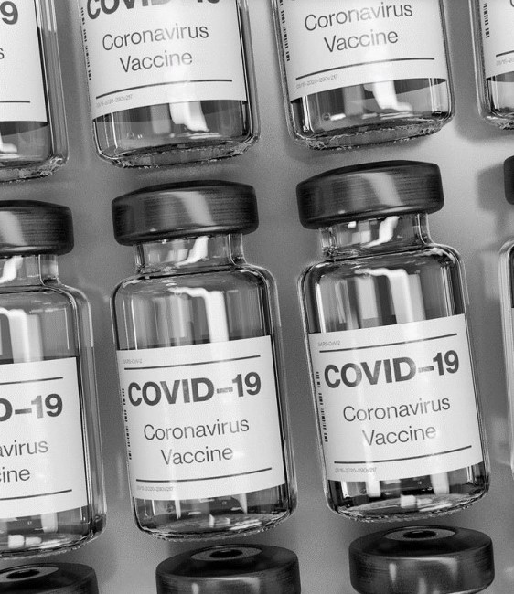 CLM | El 76,3% de las personas mayores de 80 años ya tiene al menos una dosis de la vacuna contra el COVID-19
