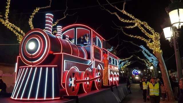 La Cabalgata de los Reyes Magos en Velada llena de magia, luz e ilusión las calles