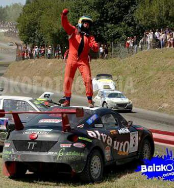 Víctor Álvarez vence en el autocross de Arteixo