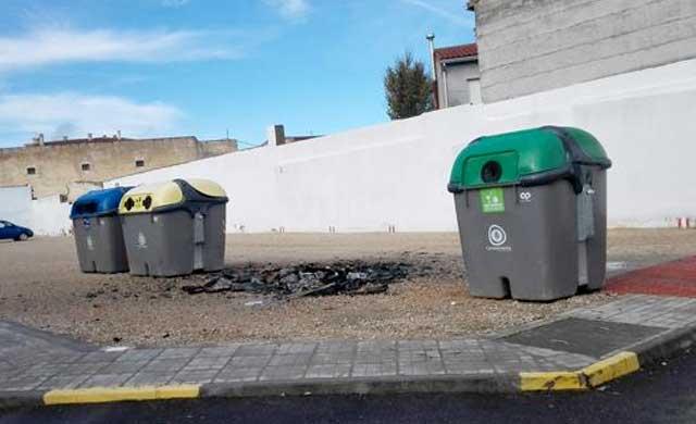Arden 16 contenedores en las dos últimas semanas en Villacañas