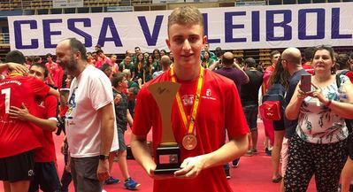El talaverano Pablo Higueras conquista el Campeonato de España de Voleibol con la selección regional