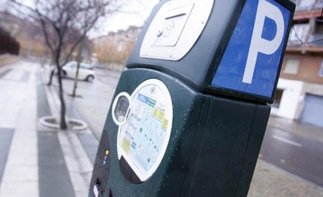 TALAVERA | El Ayuntamiento anula la 'zona azul' para que se evite mover los vehículos